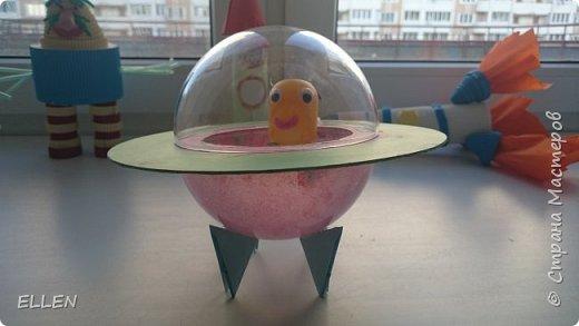 """Добрый день!  Хочу показать вам работы дошкольников на тему """"Космос"""". Работы были сделаны к конкурсу, посвященному Дню космонавтики! фото 5"""