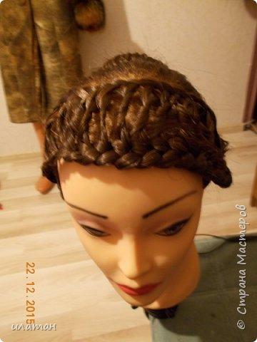 """Предлагаю сегодня сделать причёску """"бантик""""без помощи начёса и лака для волос . Для такой причёски нужно будет изготовить приспособление,в нём то собственно и заключается мой мастер класс.  Поэтому строго не судите за ре ровный пробор и др. огрехи в причёске .Я не парикмахер,я мама которая хочет ,что бы у её ребёнка были красивые причёски без помощи парикмахера фото 20"""