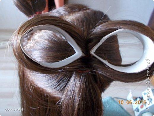 """Предлагаю сегодня сделать причёску """"бантик""""без помощи начёса и лака для волос . Для такой причёски нужно будет изготовить приспособление,в нём то собственно и заключается мой мастер класс.  Поэтому строго не судите за ре ровный пробор и др. огрехи в причёске .Я не парикмахер,я мама которая хочет ,что бы у её ребёнка были красивые причёски без помощи парикмахера фото 9"""