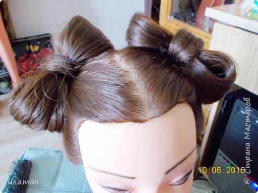 """Предлагаю сегодня сделать причёску """"бантик""""без помощи начёса и лака для волос . Для такой причёски нужно будет изготовить приспособление,в нём то собственно и заключается мой мастер класс.  Поэтому строго не судите за ре ровный пробор и др. огрехи в причёске .Я не парикмахер,я мама которая хочет ,что бы у её ребёнка были красивые причёски без помощи парикмахера фото 15"""