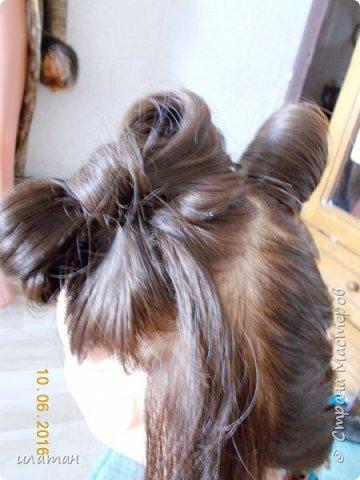 """Предлагаю сегодня сделать причёску """"бантик""""без помощи начёса и лака для волос . Для такой причёски нужно будет изготовить приспособление,в нём то собственно и заключается мой мастер класс.  Поэтому строго не судите за ре ровный пробор и др. огрехи в причёске .Я не парикмахер,я мама которая хочет ,что бы у её ребёнка были красивые причёски без помощи парикмахера фото 17"""