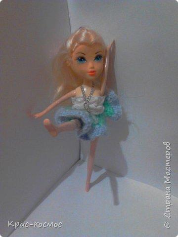 Как только Соня приехала, я сразу сшила ей костюмы. В этом блоге все что на кукле - самодельное. Вот Сонька в новых штанах и что-то вроде майки. фото 5