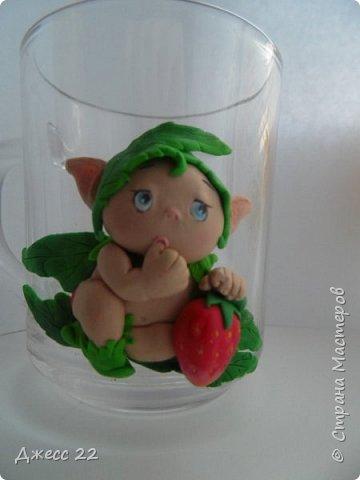 Здравствуйте, знакомтесь с новым жителем Страны Мастеров. Маленький цветочный Эльф. Он нашел ягодку и думает с кем же поделится такой вкуснятинкой. фото 2