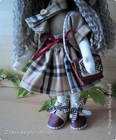 """Привет всем в СМ!!!  Знакомьтесь, моя новая куклешка с шикарной шевелюрой. Смотрю на нее и хочется сказать: """"Распустила ... косы.."""" Нет, нет, имя Дуня ей совсем не подходит, хоть и косы она распустила...  фото 3"""