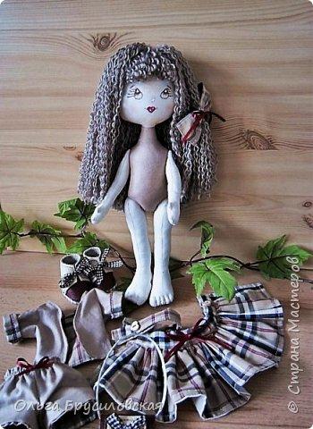 """Привет всем в СМ!!!  Знакомьтесь, моя новая куклешка с шикарной шевелюрой. Смотрю на нее и хочется сказать: """"Распустила ... косы.."""" Нет, нет, имя Дуня ей совсем не подходит, хоть и косы она распустила...  фото 6"""