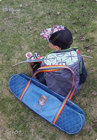 Время бежит неумолимо быстро! И вот вроде вчера праздновали у сына День рождения, и я готовила ему подарок свой, своими руками... А уж прошло два месяца как он у меня на тренировку теперь щеголяет с этой сумкой для скейта :-) фото 7