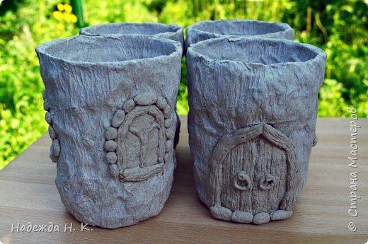Здравствуйте! Пользуясь тем, что дождливая погода подарила мне немного свободного времени, решила потратить его на показ новых своих домиков-вазочек. Мастер-класс первых  можно посмотреть здесь    http://stranamasterov.ru/node/848291 Домики получились занятные и быстро нашли себе  добрые руки, в которые были с удовольствием отданы. фото 5