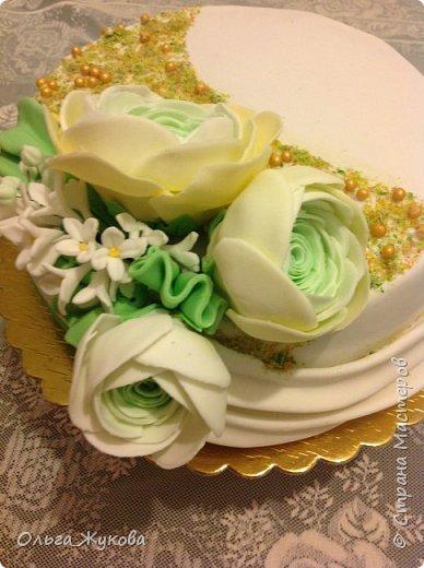 Всем доброго времени суток! Ещё один торт с цветами. Попробовала сделать ранункулюс. фото 3