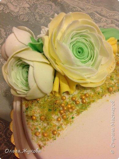 Всем доброго времени суток! Ещё один торт с цветами. Попробовала сделать ранункулюс. фото 4
