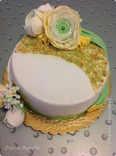 Всем доброго времени суток! Ещё один торт с цветами. Попробовала сделать ранункулюс. фото 5