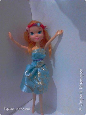 Здравствуй, страна мастеров! Я почти не рассказывала о Белле. И так, в этом блоге м поподробнее рассмотрим то,что я шила для Беллы (можно просто Белки). Все что на фото самодельное. На первом фото голубое платье. Его я только сегодня сшила. фото 1