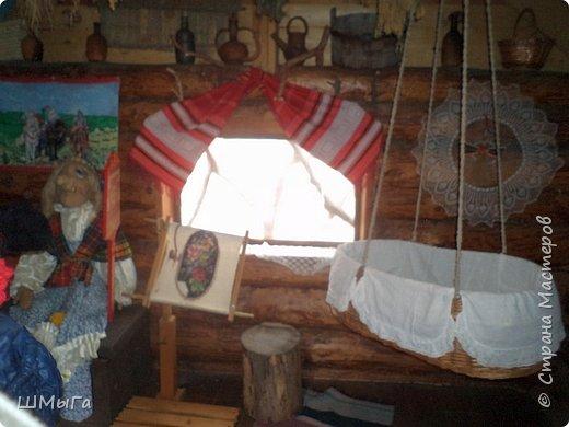 В селе Чепош Чемальского района Республики Алтай работает удивительная мастерская, которая занимается изучением и восстановлением традиции русской народной куклы. Называется она «Десятиручка». На весенних каникулах мы с детками посетили это удивительное место. фото 19