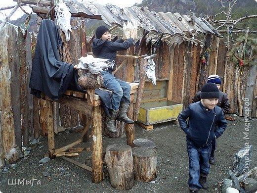 В селе Чепош Чемальского района Республики Алтай работает удивительная мастерская, которая занимается изучением и восстановлением традиции русской народной куклы. Называется она «Десятиручка». На весенних каникулах мы с детками посетили это удивительное место. фото 24