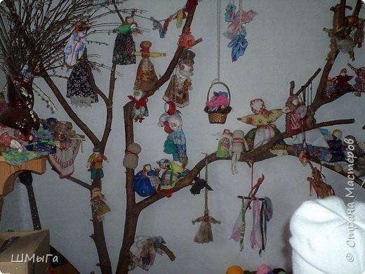 В селе Чепош Чемальского района Республики Алтай работает удивительная мастерская, которая занимается изучением и восстановлением традиции русской народной куклы. Называется она «Десятиручка». На весенних каникулах мы с детками посетили это удивительное место. фото 32