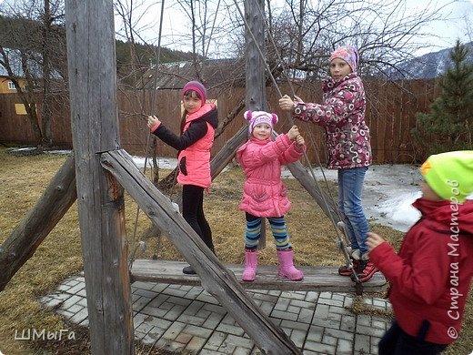 В селе Чепош Чемальского района Республики Алтай работает удивительная мастерская, которая занимается изучением и восстановлением традиции русской народной куклы. Называется она «Десятиручка». На весенних каникулах мы с детками посетили это удивительное место. фото 26