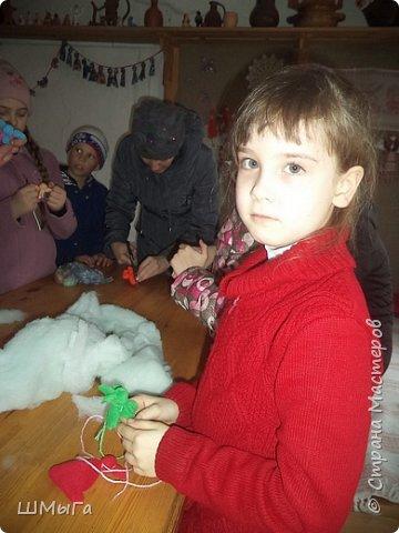 В селе Чепош Чемальского района Республики Алтай работает удивительная мастерская, которая занимается изучением и восстановлением традиции русской народной куклы. Называется она «Десятиручка». На весенних каникулах мы с детками посетили это удивительное место. фото 36