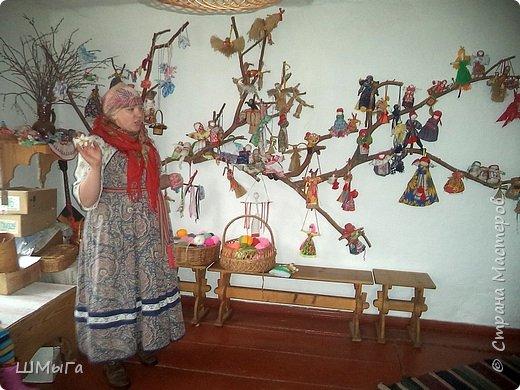 В селе Чепош Чемальского района Республики Алтай работает удивительная мастерская, которая занимается изучением и восстановлением традиции русской народной куклы. Называется она «Десятиручка». На весенних каникулах мы с детками посетили это удивительное место. фото 33