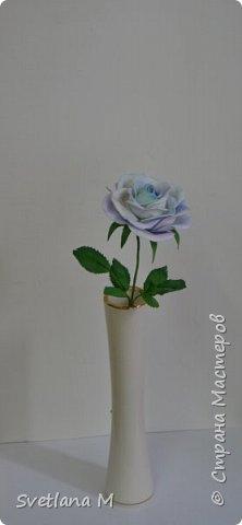 Голубая роза из фоамирана фото 3