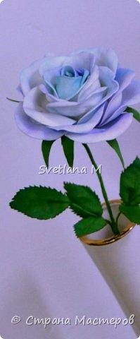 Голубая роза из фоамирана фото 5