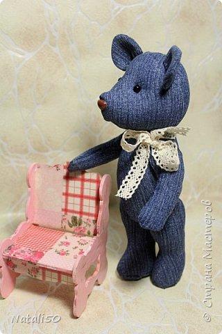 Доброго всем дня!!! Решила показать мои рукоделочки.. куколку и мишуток.. на улице прохладно, и приодела я свою куколку не по летнему..  фото 4