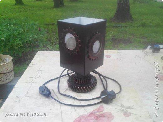 """Электрический ночник """"Турбинер"""". Верит, что он прямой потомок Парового Двигателя и Лейденской Банки. фото 2"""