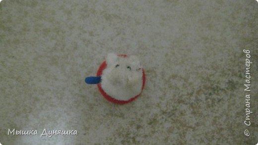 Здравствуйте! Уважаемая Страна Мастеров!!! С праздником вас, с Днем России! К этому знаменательному Дню решила смастерить, (если можно так сказать), вот такую кружечку с котенком. Это изделие сочетает в себе 3 цвета: Белого котенка, синюю кружку и красное блюдце.  фото 6