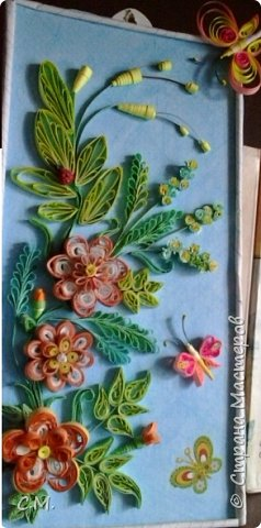 Эта цветочная квиллинг -миниатюра. Классический и петельчатый квиллинг.