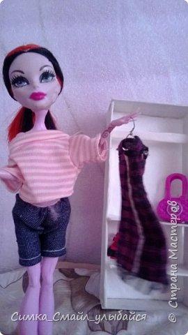 Кукла рядом со шкафчиком.Комментировать буду не все фото. фото 3