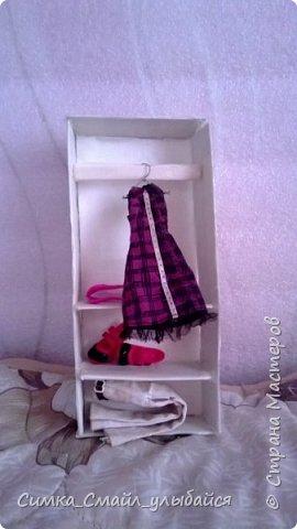 Кукла рядом со шкафчиком.Комментировать буду не все фото. фото 4