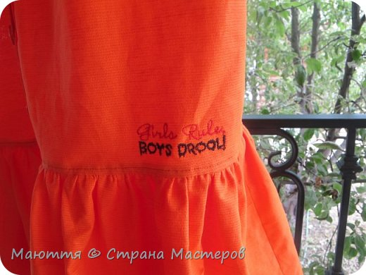 Опять я с нарядами для девочки-подростка)) Короче, укомплектовали ребенка полностью)) Платье из льна с хлопком. Совершенно простое в крое, но смотрится отлично.  фото 4