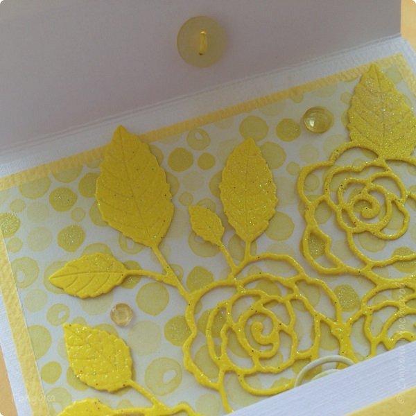 Это открыточка на солнечную свадьбу.  Сделана в начале июня, забыла показать. Вся желтая, искрится эмбоссингом на вырубке и глиттером на бумаге:) фото 8