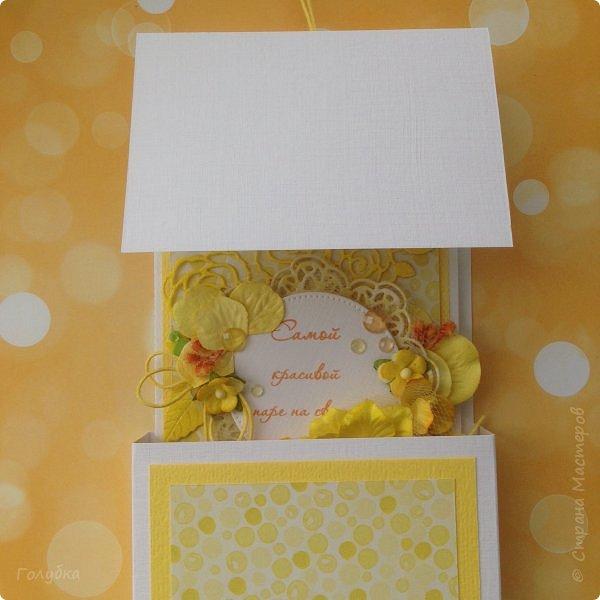 Это открыточка на солнечную свадьбу.  Сделана в начале июня, забыла показать. Вся желтая, искрится эмбоссингом на вырубке и глиттером на бумаге:) фото 9