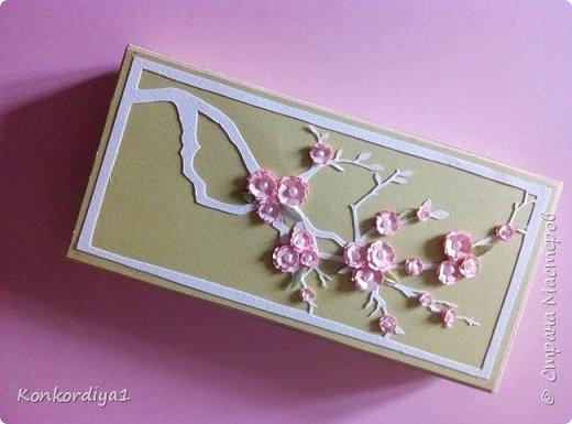 Вот такая нежность получилась из бумаги. цветочки вырезала вручную и немного подкрасила акварелью. фото 3