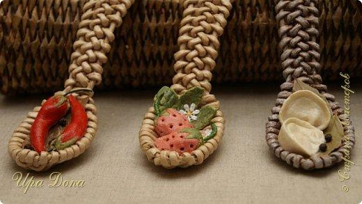 Здравствуйте мастера и гости! Очаровали меня плетеные ложки по МК, Нины Павловской, до невозможности. Отложила даже текущую работу и взялась за плетение ложек и их украшение.  В итоге вот что у меня получилось. фото 5