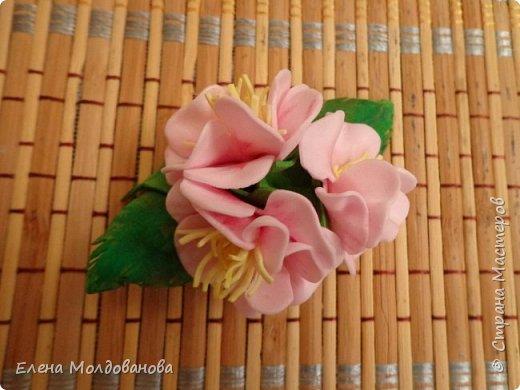 Заколки с весенними цветами. фото 5
