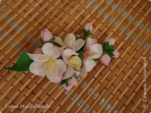 Заколки с весенними цветами. фото 2