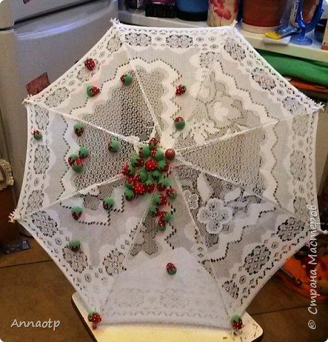 """Здравствуйте мастера! В садике дали задание сделать зонт на конкурс """"Зонтик для весеннего дождя"""". Долго ломала голову, как и что сделать и здесь наткнулась на очень классный зонтик, спросила у мастера на повторюшку и вуаля у меня получился вот такой зонтик. Вдохновитель  https://stranamasterov.ru/node/613177?c=favorite. Не судите строго. фото 2"""