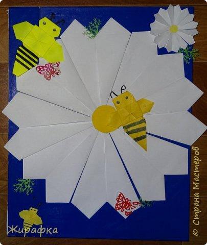 """Летний лагерь при монастыре дети решили назвать """"Ромашка"""". Сначала просто сделали ромашку, потом я решила собрать панно, а потом и добавить пчёлок. фото 1"""