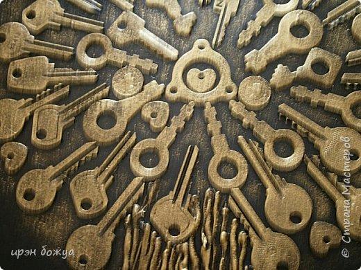 Я с очередным ключным деревом. Всем нравиться. Люди просят, а ключей мало. Делаю по мере появления ключей. Это дерево сделано на день рождение. Человек ждал 2 года этого подарка. фото 3