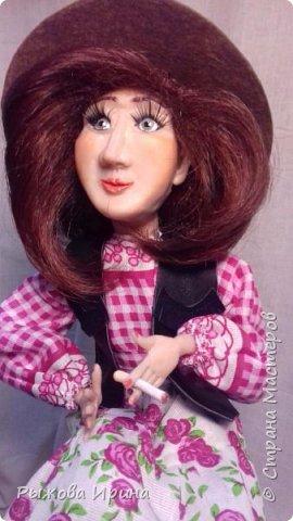 Моя первая кукла в технике лепки из запекаемой глины. На данной модели я использовала Фимо. Тело бескаркасное, текстильное, набивное.Моя Джина, подруга ковбоя. В данной технике я работаю совсем мало, около года. Понимаю, что нужно многому учиться, но все таки очень хочу показать, что получилось.  фото 3