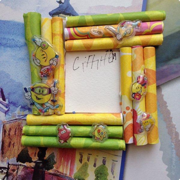 Вот и прошло три недели моей практики, а точнее семь занятий с детьми в развивающем центре. Теперь у меня так много знакомых ребят:)   На этой неделе мы сделали рамочку магнит и выполнили декор подарочного пакета. фото 11