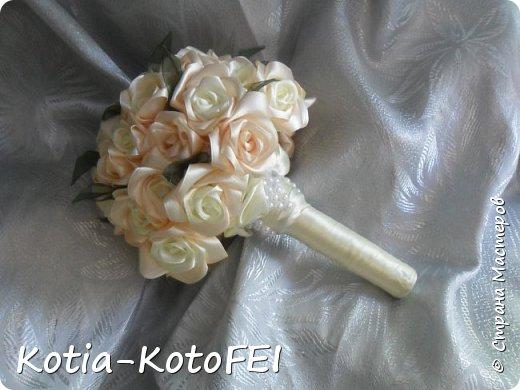 Букет невесты из лент фото 10