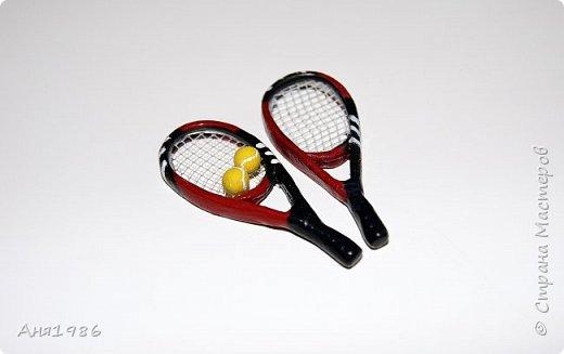 Теннисные ракетки. Миниатюра