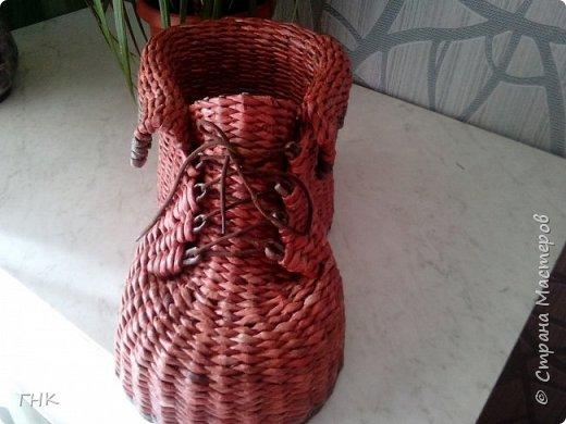 Хочу показать Вам все свои ботиночки. Первый башмак, который сплёлся. Трубочки красила грунтовка+вода+колер+лак фото 4