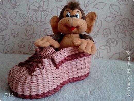 Хочу показать Вам все свои ботиночки. Первый башмак, который сплёлся. Трубочки красила грунтовка+вода+колер+лак фото 7