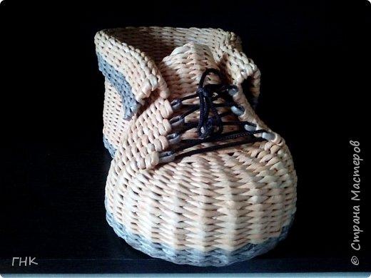 Хочу показать Вам все свои ботиночки. Первый башмак, который сплёлся. Трубочки красила грунтовка+вода+колер+лак фото 10