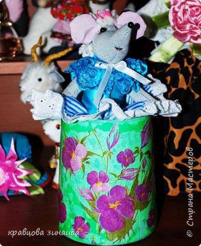 ДОБРЫЙ ДЕНЬ МОИ ДОРОГИЕ ДРУЗЬЯ ! сегодня я к вам  с цветами и вазочками, соседка отдала на лето мне две ОРХИДЕИ , ну как не сфотографировать такую красоту, полюбуемся  фото 8