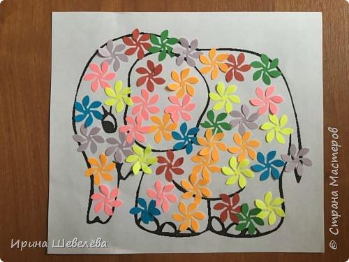 Радужные  фантазии - творческое конструирование из бумаги. Радуга – одно из красивейших явлений природы. Человек с незапамятных времён задумывался над её природой и связывал появление на небе разноцветной дуги с множеством поверий и легенд.  фото 10