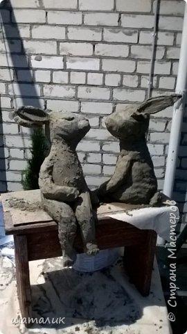 Вот такую скульптуру в свой сад я соорудила! Была поставлена задача использовать материал, который не боится плохих погодных условий. Замучив всех различными вопросами и перешерстив инет, решила остановиться на смеси цемента с песком фото 4