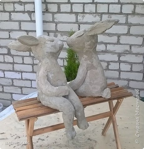 Вот такую скульптуру в свой сад я соорудила! Была поставлена задача использовать материал, который не боится плохих погодных условий. Замучив всех различными вопросами и перешерстив инет, решила остановиться на смеси цемента с песком фото 5